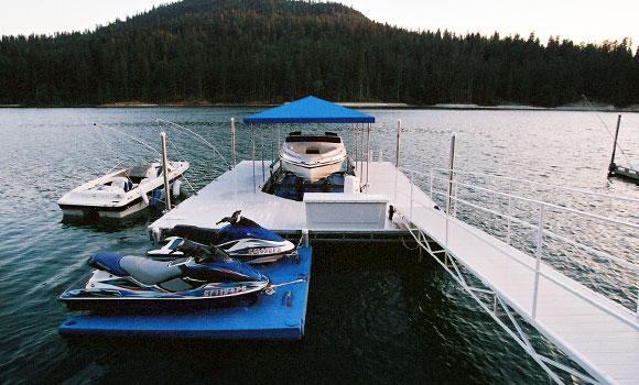 dock with aluminum gangway