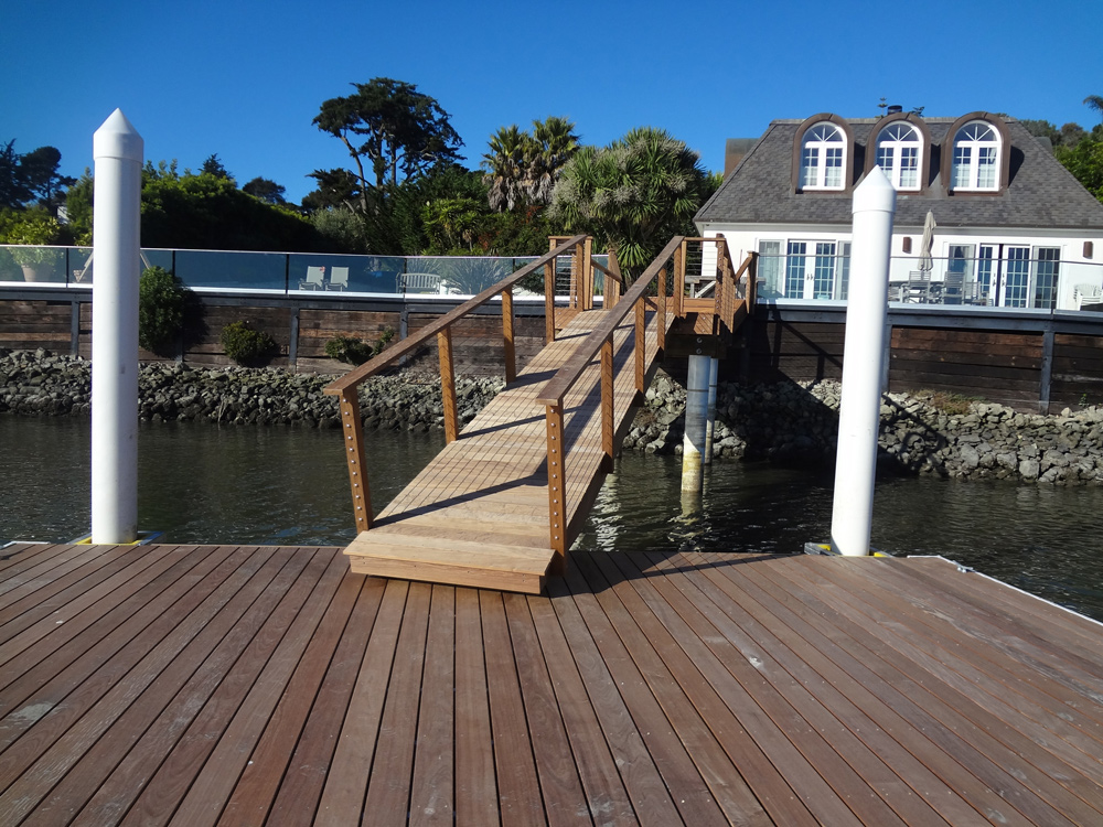 Ipe Hardwood Gangway with Cable Rail