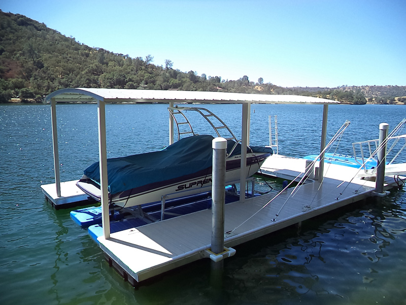 Dock with Aluminum Barrel Roof Cover