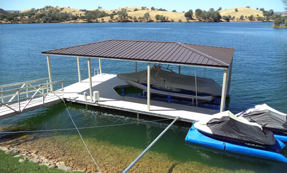 Lake Tullock Floating dock with cover